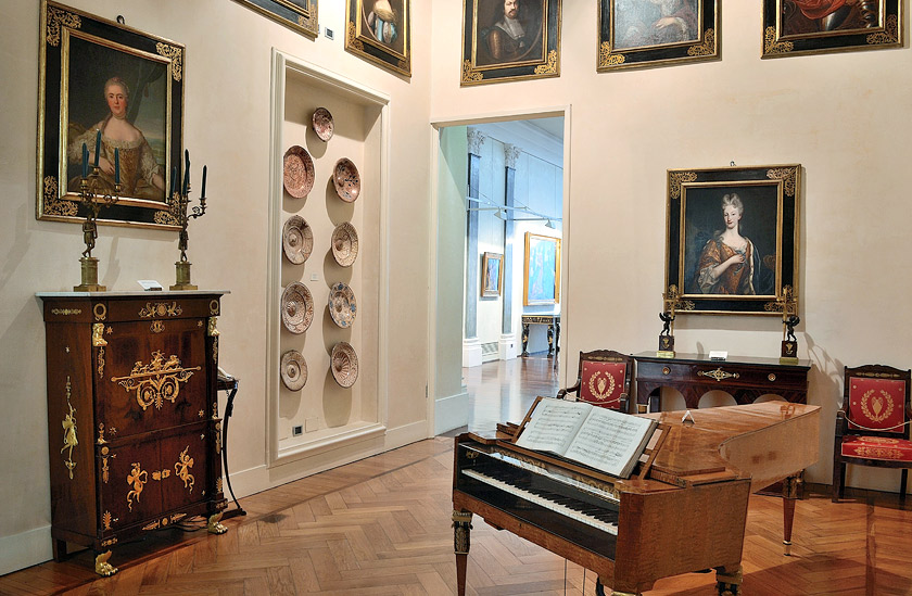 La sala della musica della Villa dei Capolavori di Luigi Magnani